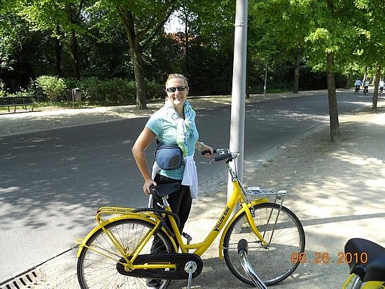 1.1277543736.marnie-and-her-yellow-bike