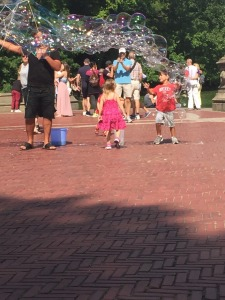 1.1473283092.bubble-art-at-bethesda-fountain-central-park